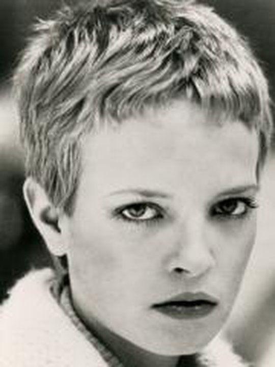 53 best images about cheveux sur pinterest coiffures - Coupe garconne fille ...