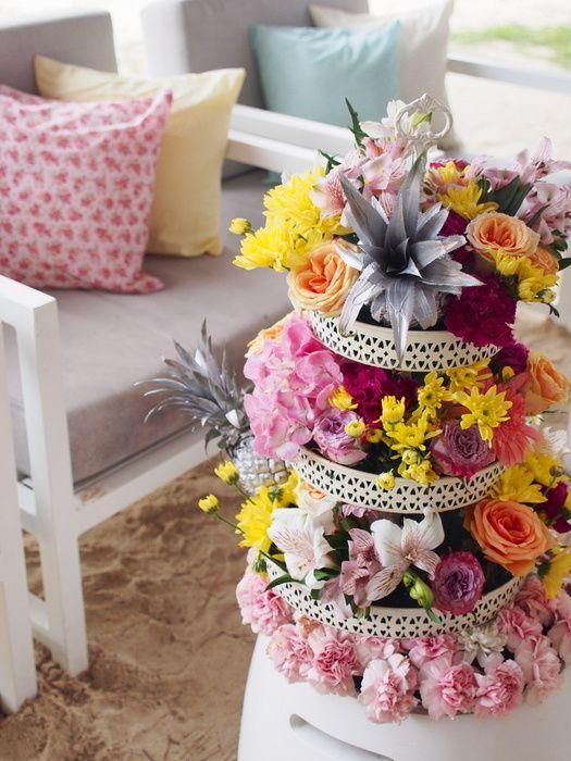 15 Fabulous Non-Boring Ways To Use Roses at Weddings!   WedMeGood