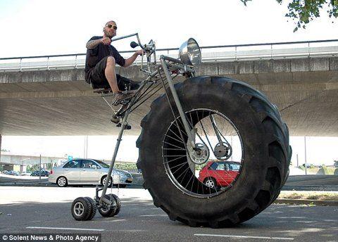 Monster-Bike-Bike-Inspired-From-A-Monster-Truck-2.jpg (JPEG Image, 634x455 pixels)