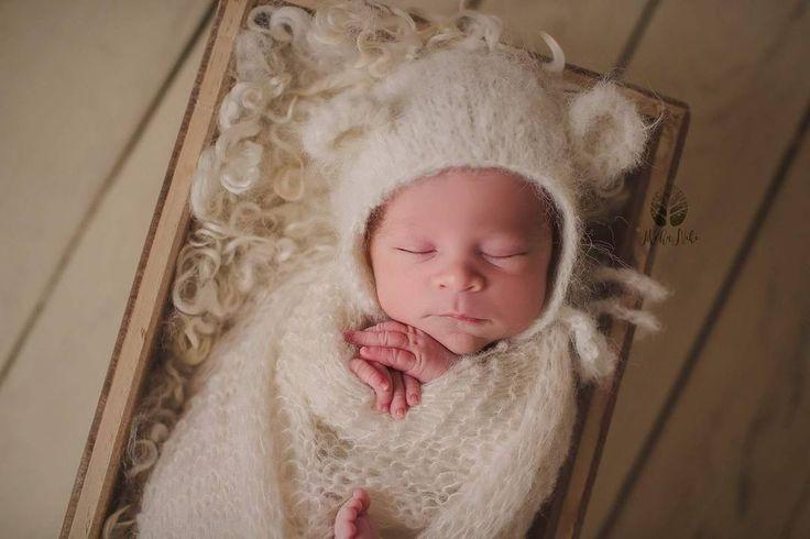 @mehn.niki.photo  #photoprops #handmade #handcraft #newbornphotpgraphy #newborn #photography #newbornphotoprop #newbornphotoprops #newbornprops #etsyshop #etsy #propshop #prop #woolanddreams #wool #mik #rts #woolblanket #Blankets #blanket #feltedfur #curlylayers #curlyfur #white