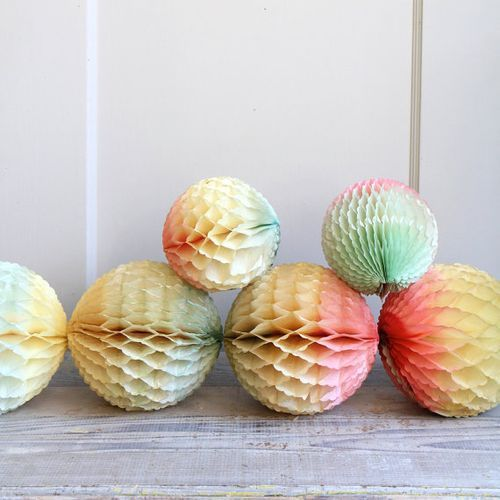 ombre party tissue decorations painted with water color? - M