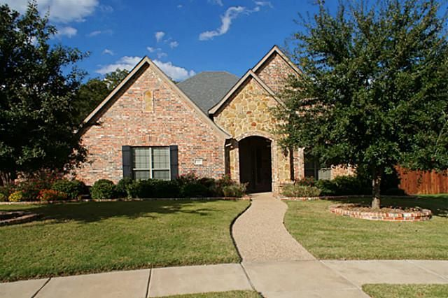 Beautiful home in much desired Argyle ISD.This REALLY is clean!4 BR,Study,2.5 BA,2LA.Amazing landscaping!Lot overlooks tree lined creek.Outdoor entertaining area,covered patio&gazebo.Large eat in kit.opens to living area. Bkfst bar,granite countertops, island, double oven,gas cooktop. Large gameroom-LA on second floor. Split bedrooms. Master suite has great view,large master bath & HIGH END CUSTOM CLOSET!Jetted tub&sep shower,dual vanities.|strip_tags
