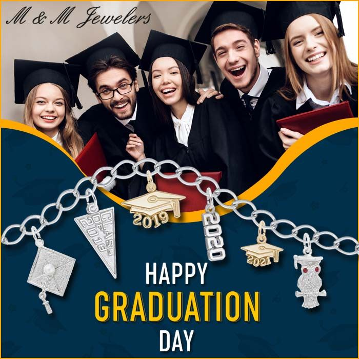 Gifts Perfect For The Occasion Call Or Text Us To Book An Appointment To Come Shop A Gift For Your New Graduate In 2020 Happy Graduation Day Happy Graduation Books