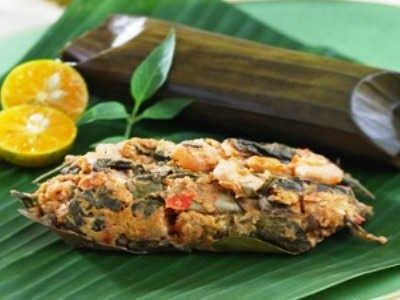 Resep Pepes Udang Tahu Sunda - Disini ada panduan rahasia cara membuat pepes udang tahu sunda yang sangat lembut dan super enak lho!