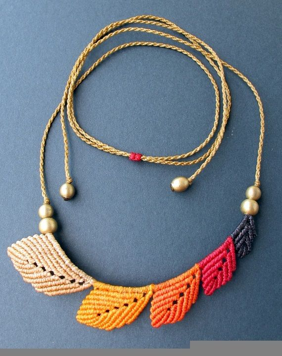 collar asimetrico hojas macrame necklace / Mediterrasian - Artesanio