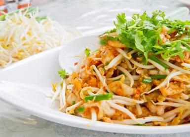 Here's an Easy Vegetarian Pad Thai for the Health Conscious: Real Vegetarian Pad Thai!