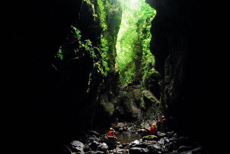 Lago Bayano Caves, Panama