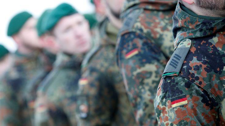 Ein Vorschlag aus Bayern sorgt für Diskussionsstoff. Die Bundeswehr soll künftig zur Terrorabwehr verstärkt auch im Inneren eingesetzt werden. Dafür will die bayrische Landesregierung sogar eine Grundgesetzänderung beantragen. Davon ist nicht jeder begeistert. Der Bremer Bürgermeister Dr. Carsten Sieling (SPD) erteilte dem Vorschlag auf dem Jahresempfang der Bundeswehr eine Absage.