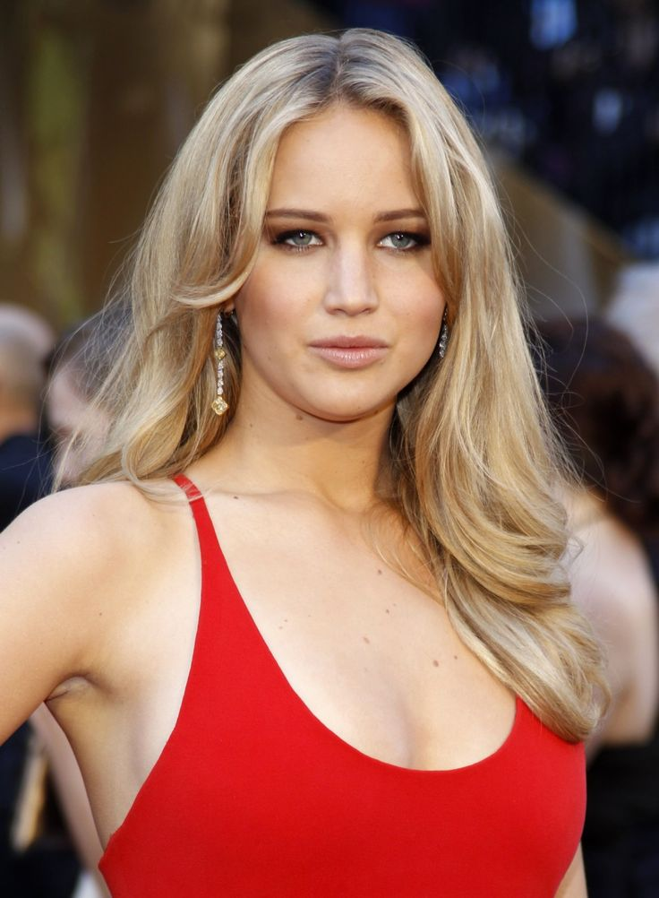Jennifer Lawrence is in the Hunger Games which made her more famous i love that's why i love her