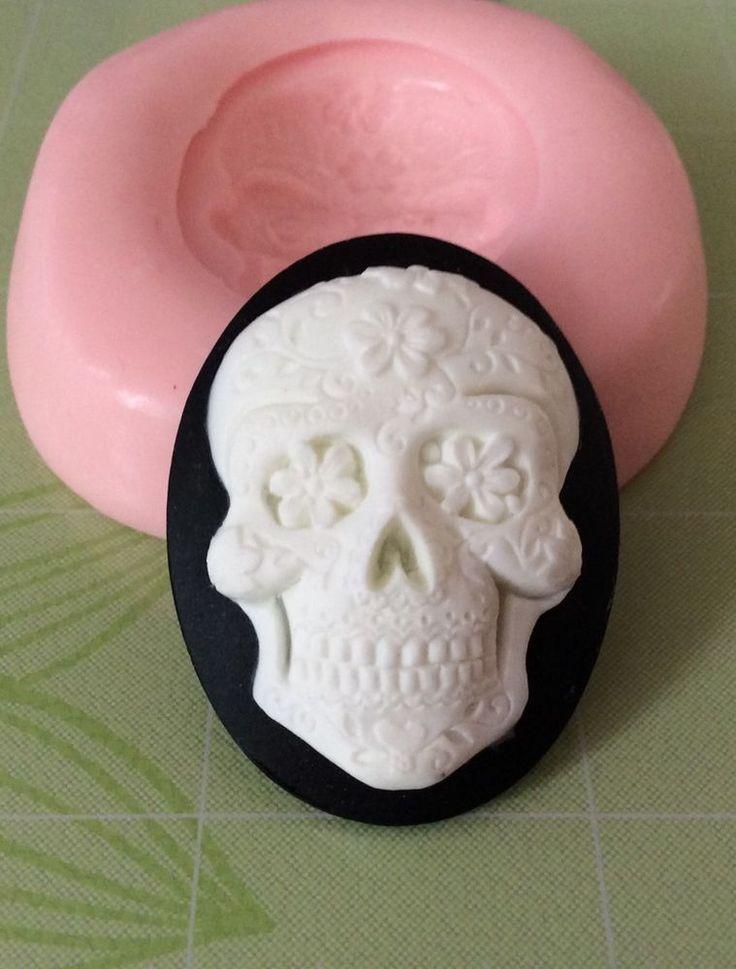 Human Skull Cake Mold