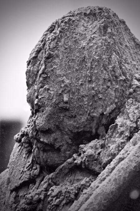 Бельгийское туристическое агентство Visit Flanders поставило в Лондоне скульптуру солдата, медленно исчезающую под дождем Кампания организована к столетию битвы при Пашендейле в Бельгии, одного из самых длительных и кровопролитных сражений Первой мировой войны. Бельгийское туристическое агентство Visit Flanders организовало акцию в рамках своей пятилетней программы памяти о Первой мировой войне, сообщает AdWeek. Битва при Пашендейле (также называемая Третьей битвой при Ипре) вошла в историю…