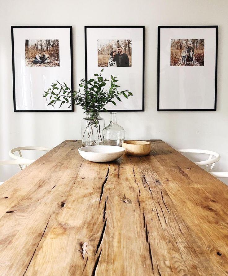 Die Triptych Galeriewand, wunderschön gestaltet von @housesevendesign ✨ Link – Holz Tisch