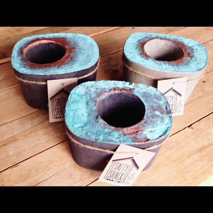 Stock drop! These 3 concrete planters are now available at @dowrystore  #saltyshack #concreteplanter #concretepot #concretedecor #copper #verdigris #copperlove #black #raw #turquoise #patina_perfection #patina #handmade #lovetocreate #concretelove #concretelife #concretedesign #concreteplanters #concretepots