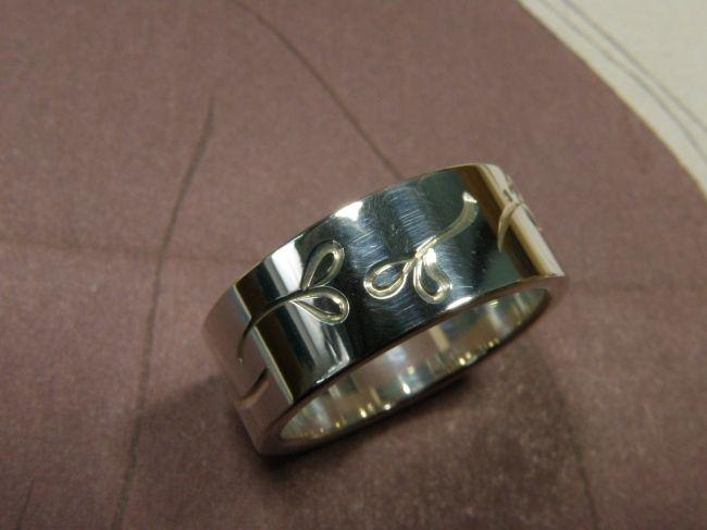 * ringen | oogst-sieraden * Ring * Zilver met handgravure rondom * 190 euro * UNICUM *