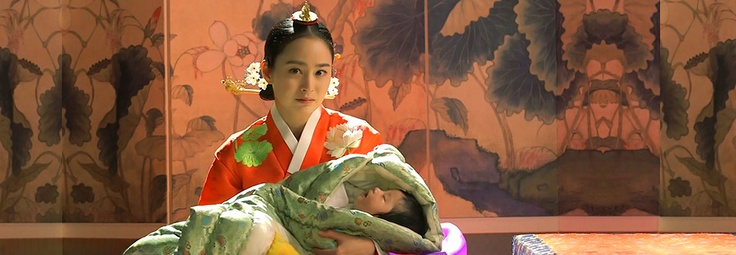 Jang Ok Jeong, Lives In Love  Ok Jeong finally achieves her goals and replaces In Hyun as queen of the court, but will the pressures of the position undermine her new power?