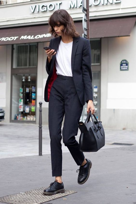15 Smart ways to wear a white T-shirt to work