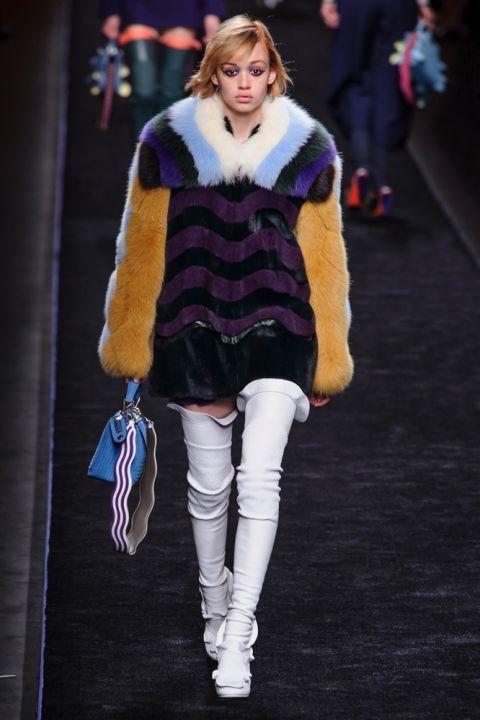 Итальянские шубы Фенди - модные тренды - мех и шубы зима 2016/2017 - какие шубы в моде Зима 16/17 #fur #fashion #winter #winter2016/2017 #fashiontrend #шуба #трендзима2016