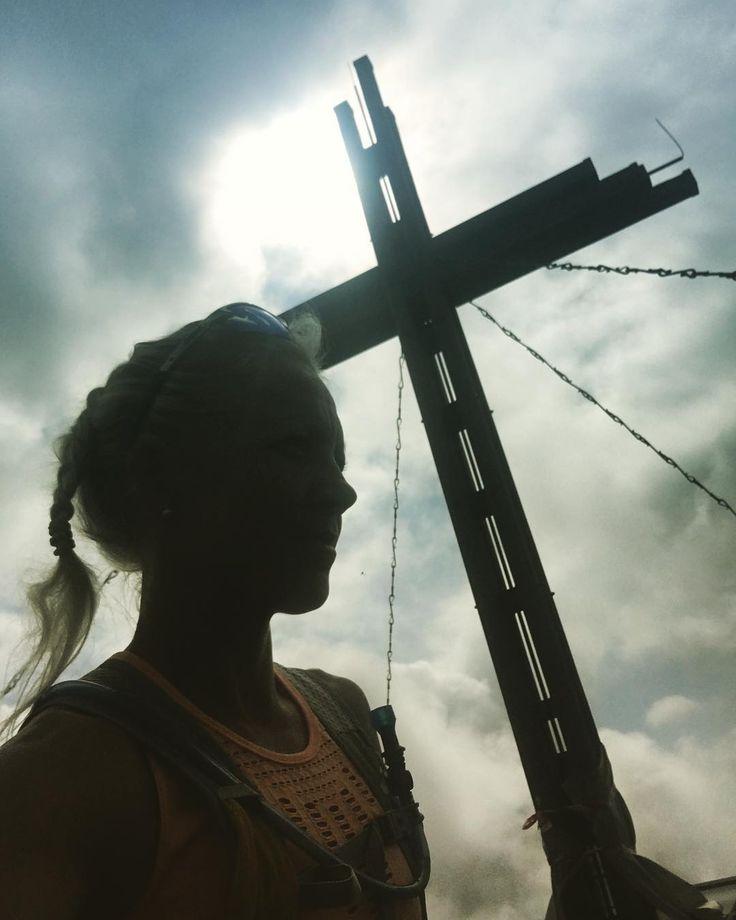 """Gefällt 8,898 Mal, 11 Kommentare - Kaisa Mäkäräinen (@kaisamakarainen) auf Instagram: """"#ristiretki #hiking #recovery #alone #peace #quiet #timetothink #golzentipp #obertilliach…"""""""