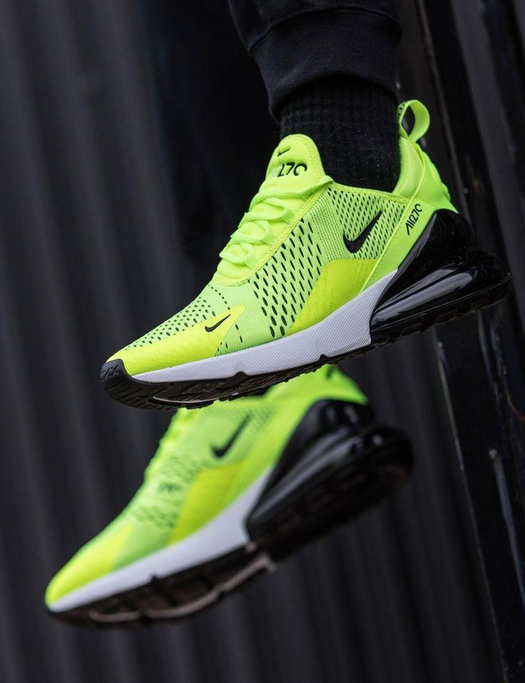 Nike Air Max 270: Volt