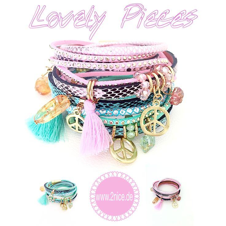 Ein weiteres Highlight für diesen Sommer ist unser Armband Beverly. Das Armband ist in den aktuellen pastelligen Farbtrends mint und rosa erhältlich. Highlights in Form von kleinen Anhänger machen es zu einem echten Hingucker für den Sommer.