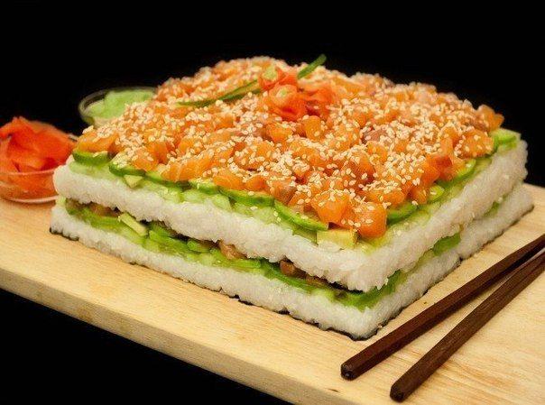 Суши-торт из авокадо, огурца и лосося vk.com/wall-32194285_197253