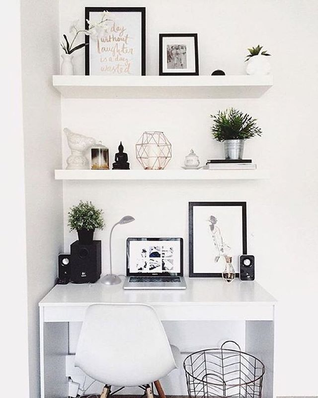 Who else wants this chic Tensor desk lamp to complement your first apartment's work area? Love this neutral look! Link to lamp in our bio. #style #chic #blackandwhite