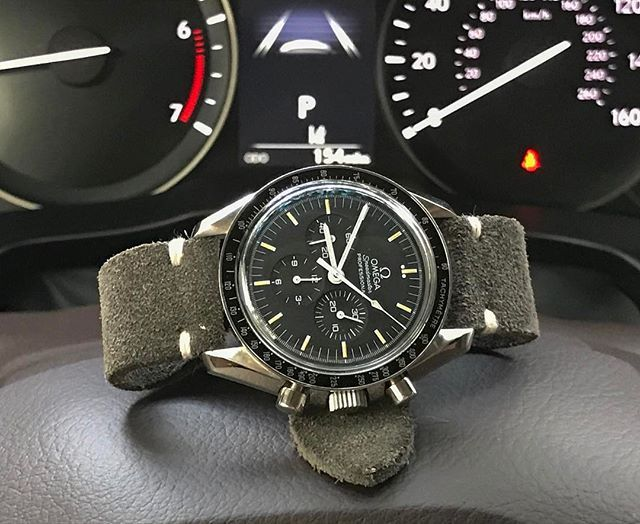 REPOST!!!  Good morning Charleston, and #watchfam , Happy #strapsaturday ! Just in case you've ever wondered, @omega Speedmaster's do just fine on Saturday 😜✅ I'm loving this combo, and loving all of you !! I hope you all have a wonderful day, until later my G&G's!!! #charlestonwatchsociety #charlestonluxurylifestyle #teamwatchsociety #wis #wotw #womw #wotd #wristporn #wristwatch #watch #watches #watchgeek #watchnerd #watchporn #watchoftheday #horology #omegawatches #speedmaster…