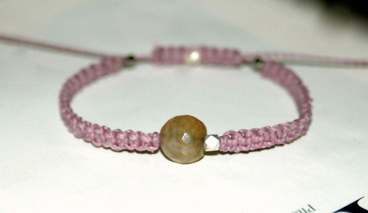 BRACELET COULISSANT MACRAME VIEUX ROSE ET PERLE SEMI PRECIEUSE : Bracelet par evencil
