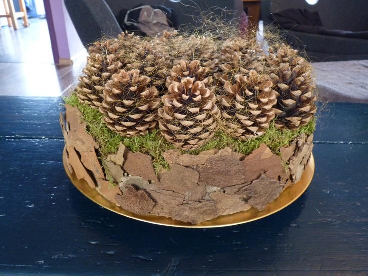 pinecone cake christmas