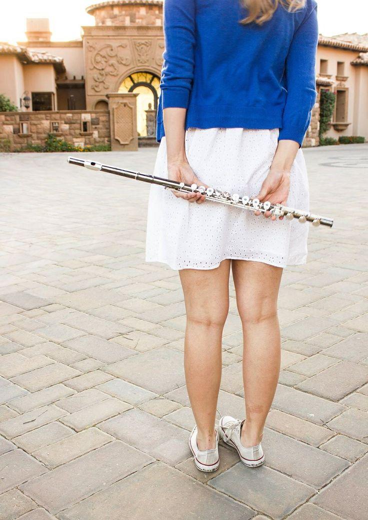 A non-lame instrument picture. {Liberty Tatham Senior Pics}