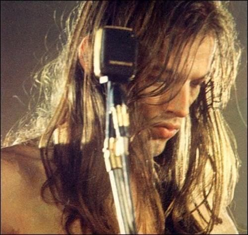 young David Gilmour.  Only guy I know that can rock stringy hair.  And those lips - good God.