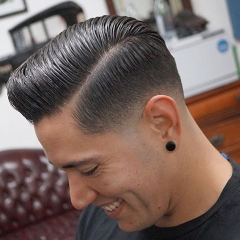 Follow @ratemycuts @ratemycuts going live soon ⏳⏳⏳. With weekly barber battles . Haircut credit to @brinie