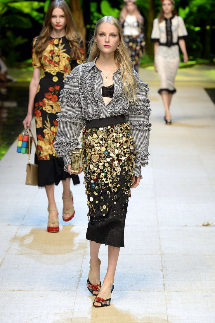 Dolce & Gabbana | Ready-to-Wear Spring 2017 | Look 76