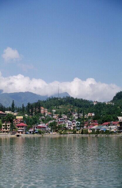 ベトナム・サパの町。ザ・避暑地ってかんじよね。でも、町は地元の人もいっぱいのローカルな感じ。