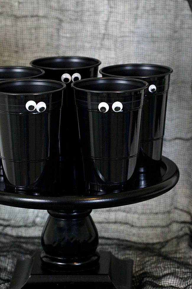 48 DIY Halloween Decorations That Are So Easy It\u0027s Scary Boo