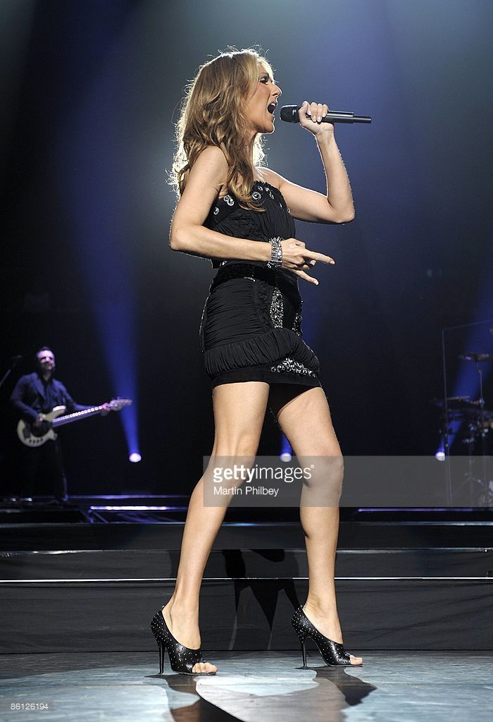 ARENA Photo of Celine DION, Celine Dion performing on stage, full length