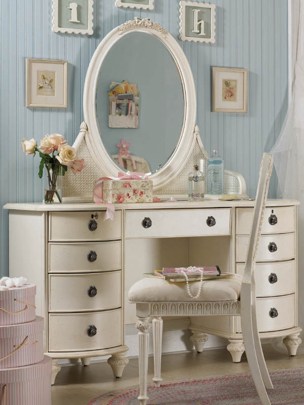 girls bedroom vanity. bedroom vanity 20 best Vanity images on Pinterest  Bedroom vanities