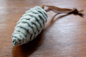 THE PINE CONE | Giverslog Wrap a Gift