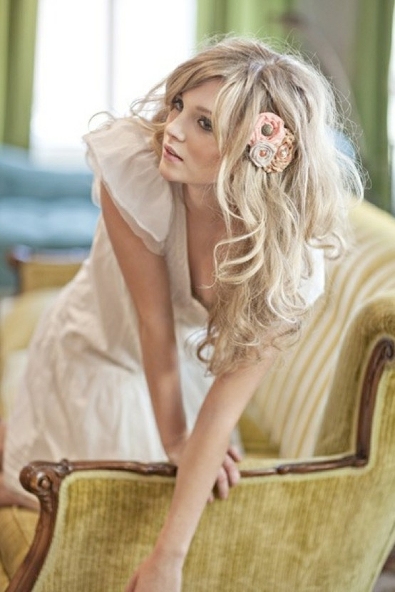 Love this tousled, slightly messy wedding hair