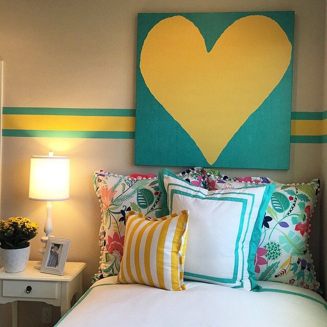 Yellow and pool!  Fantastic color choices from @designlinesd mixed in with our Swirly Paisley Sheet Set  #mypbteen