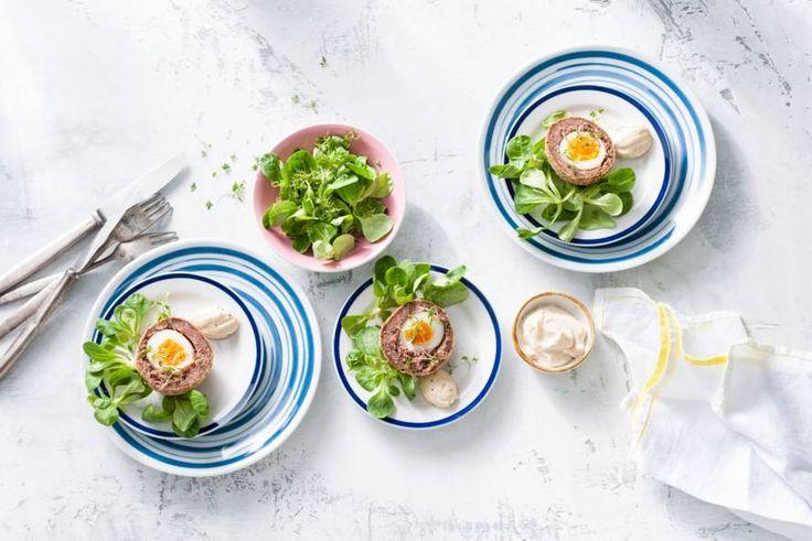 Kijk wat een lekker recept ik heb gevonden op Allerhande! Vega Scotch eggsEen echte klassieker uit Groot-Brittanië met ricotta en salie.- Recept - Allerhande