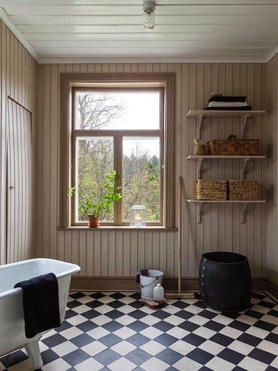 Anna Truelsen interior stylist. I really like the combination of neutrals. Beige, black and white. Lovely.