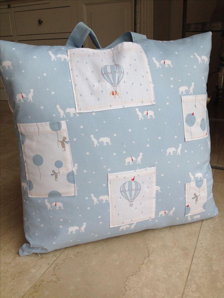 Geboorte cadeau: een Wish Pillow met Gütermann stofjes.