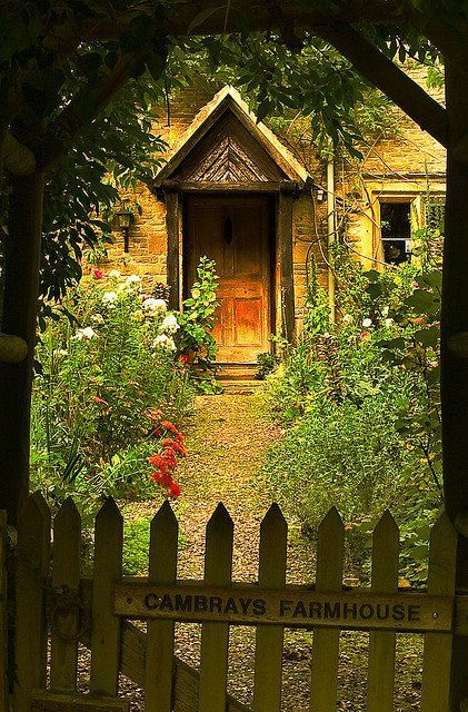 .Beautiful cottage...gate and garden entry way.......