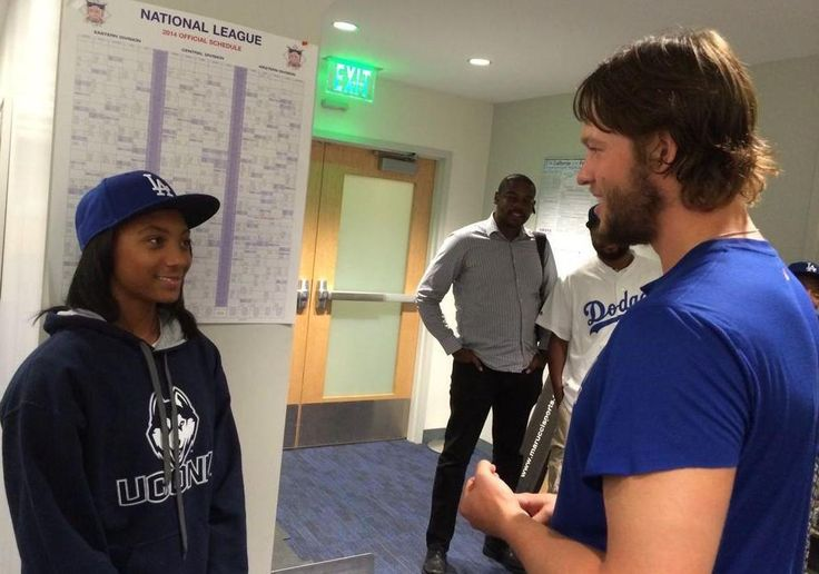 SportsCenter @SportsCenter  ·  9h  Awesome moment after the Dodgers game tonight when Mo'ne Davis got to meet her idol, Clayton Kershaw. (via @Dodgers)    https://twitter.com/SportsCenter/status/507036622630961152