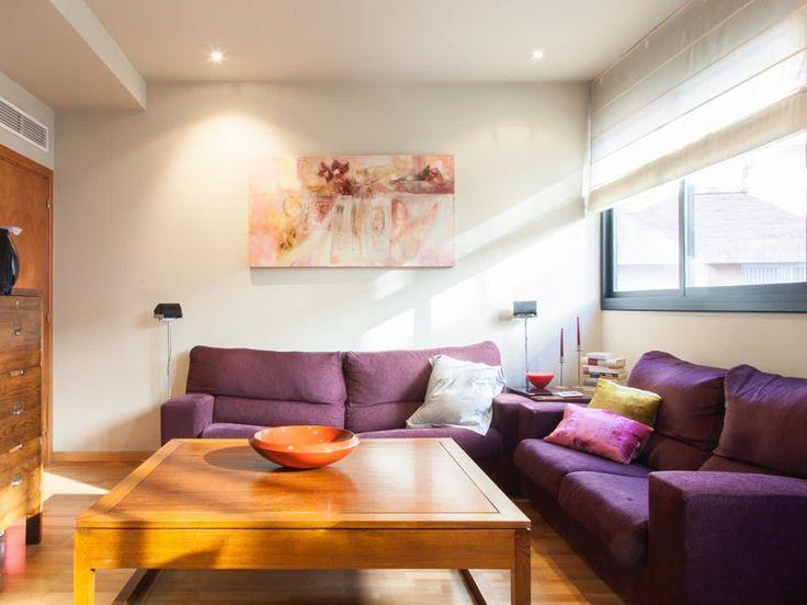 Piso en #venta en #Vallcarca    120 m2. Todo exterior, ascensor. Muy buen estado. Junto al Park Güell. Muy luminoso y soleado. Amplio salón comedor, 3 dormitorios (1 suite y 2 dobles), 2 baños completos, cocina office, parquet. Calefacción y aire acondicionado. Parking y trastero opcionales.     TC FLATS (934 145 236)(info@tcflats.com)(Copèrnic 44-bajos Barcelona 08021)  http://qoo.ly/dq29b
