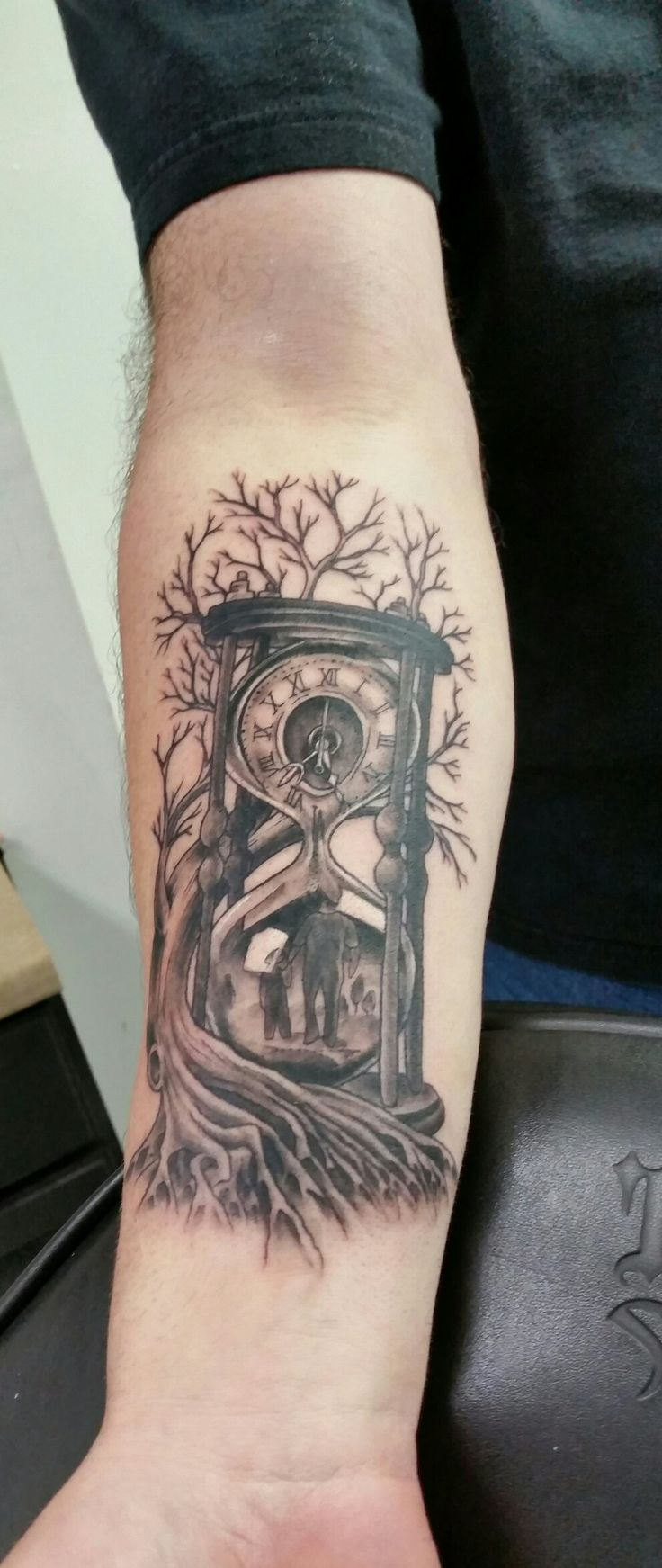Pin eulen tattoo bedeutungen f on pinterest - Time Family Father And Son Hour Glass Tree Roots