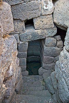 neroargento - pozzi e fonti sacre - Sa Linnarta o Osana Orosei, Nuragic Age, Sardinia
