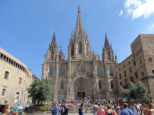 Barcelona gótikus katedrálisa | Útikalauz