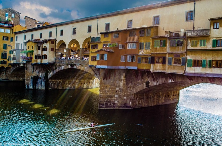 Pontevecchio - FIRENZE    Dreams to come to Tuscany?  Click LIKE on page www.facebook.com... pinned with Pinvolve